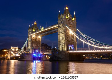 The Tower Bridge in London in the evening