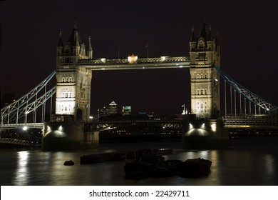Tower bridge london sky night lights river thames