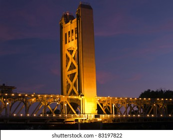 Tower Bridge over Sacramento River lights at night