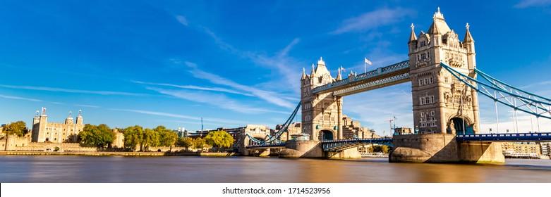 Tower Bridge in panoramic view. London, United Kingdom.