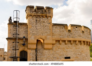 Tower of London (Her Majesty's Royal Palace and Fortress of the Tower of London), England. UNESCO World Heritage