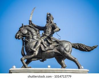 A towering statue of Maharaja Ranjit Singh