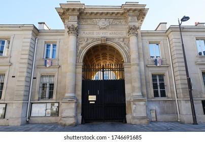 La mairie du 7ème arrondissement de Paris. L'arrondissement, appelé Palais-Bourbon, regroupe quelques-unes des principales attractions touristiques de Paris.