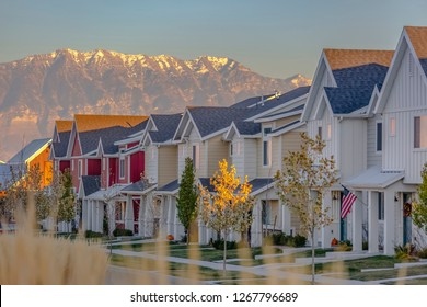 Townhomes in a row in Utah Valley suburbs