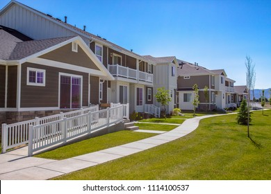 Townhouses in Utah Valley with lawn