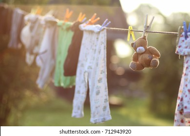 toy clothesline clothespin