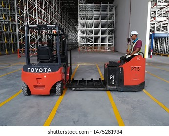 Forklift Battery Images, Stock Photos & Vectors | Shutterstock