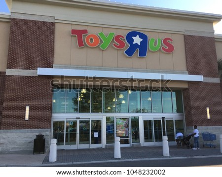 Toys R Us Store Front Jacksonville Florida Usa Stock Photo Edit Now