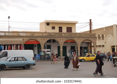 TOZEUR, TUNISIA - OCTOBER 2009: The oasis of Tozeur, its flora and daily life