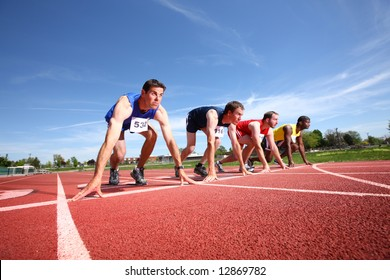 Track runners lined up for race