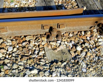 Tracks, Detail, Screws and Bolts