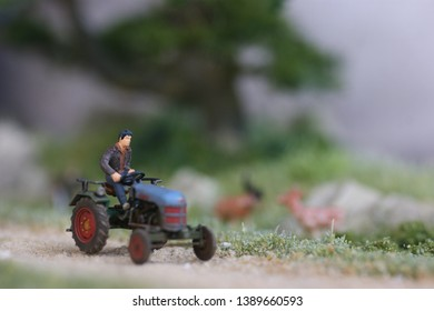 The tracktor driver is on his way