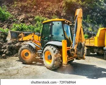 Tracktor working at the construction site.