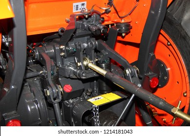 Tractor drive for mounted units - PTO shaft and transfer case