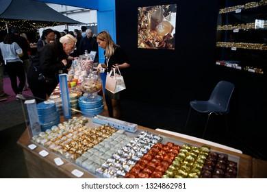 Imágenes, fotos de stock y vectores sobre Marrons | Shutterstock