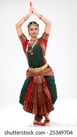 Tradition woman doing traditional dance