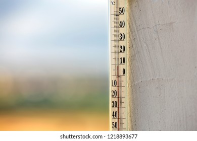 Wall Thermometer Images Stock Photos Amp Vectors Shutterstock