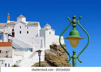 Traditional Architecture of the Greek Islands / Christian Orthodox Church at Skopelos / Panagitsa Tou Pirgou