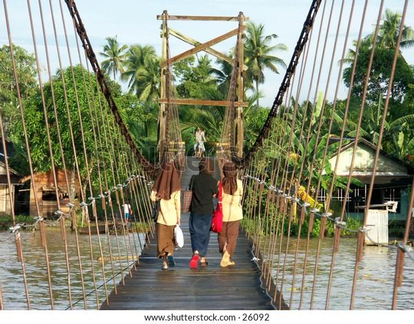 Traditional Bridge and muslim students