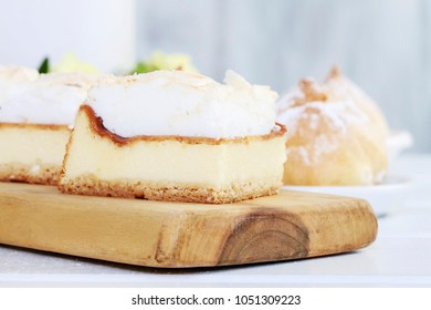 Traditional cheese cake.