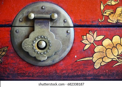 Traditional Chinese ancient handle on wooden jewelry box