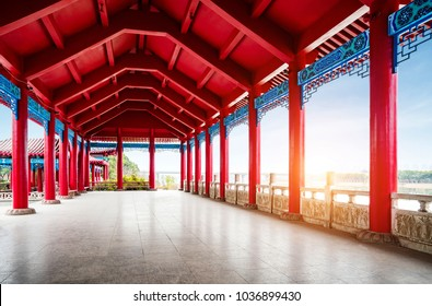 Traditional Chinese architecture with traditional architecture, red promenade.
