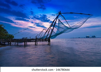 Traditional chinese fishing net at Fort Cochin, India