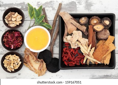 Traditional chinese herbal medicine ingredient selection with honey.