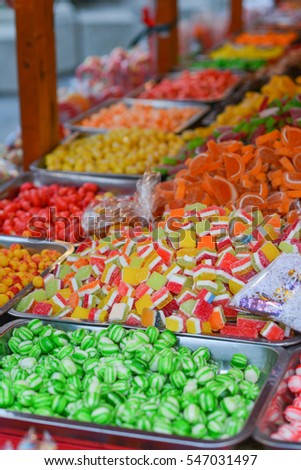traditional christmas candy market