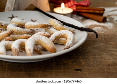 Traditional Christmas Cookies vanilla crescents