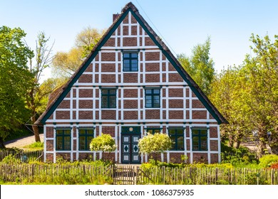 Traditional cottage in the region Altes Land, Germany