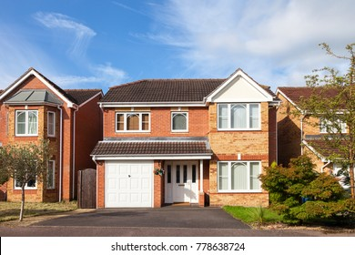 Traditional detached house with garage