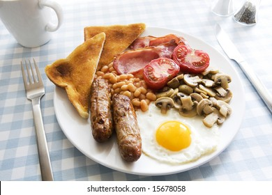 Traditional English cooked breakfast on plate