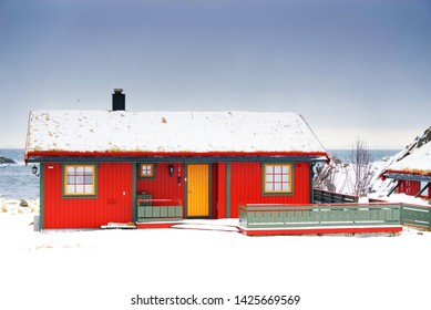 Pictures of fishermen cottages in the snow