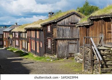 Maisons traditionnelles de la ville minière de cuivre de Roros, Norvège. La ville de Roros est classée au patrimoine mondial de l'UNESCO.