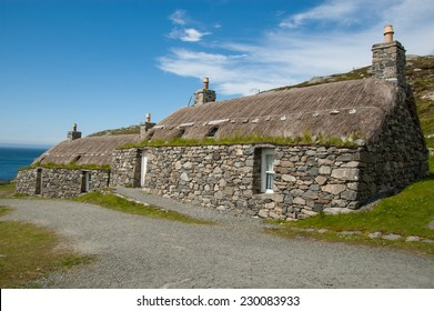 Traditional houses in an highland Scottish village. Gearrannan restored black houses, Isle of Lewis, Outer Hebrides.