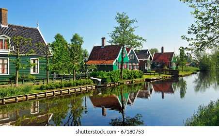 Traditional houses near the canal. ZAANSE SCHANS in holland