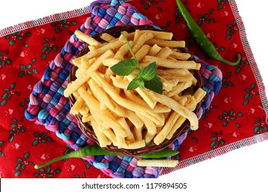 traditional indian gujrati tea time snack food bhavnagri ganthia  fry noodles of chickpea flour or besan