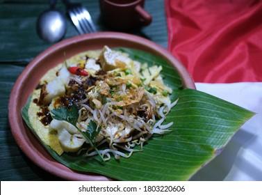 """Traditional Indonesia food from vegetables ingredients namely """"Tahu Tek Surabaya"""""""