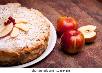 Traditional Italian cake with ricotta cheese and sour apples.