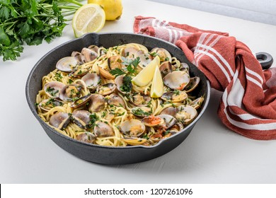 Traditional italian seafood pasta with clams Spaghetti alle Vongole.