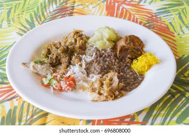 Traditional Mauritian food, similar to typical Indian food.