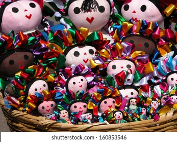 Traditional mexican knitted dolls