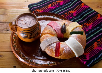 "Traditional mexican ""rosca de reyes"" and hot chocolate"