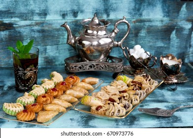 Traditional Moroccan cookies and mint tea