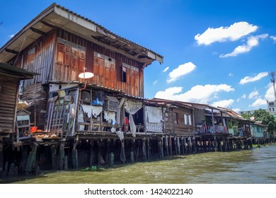 Traditional old houses on Khlong, Bangkok, Thailand