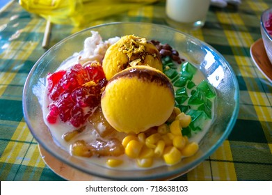 The traditional Philippines dessert of Halo Halo