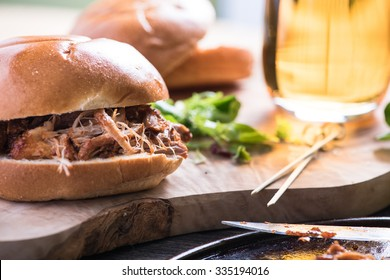 traditional pub meal, pulled pork