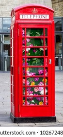 Traditional red London phone booth