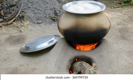 Traditional rice cooking.
